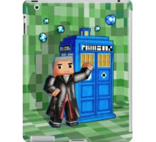 8bit 12th Doctor with blue phone box iPad Case/Skin