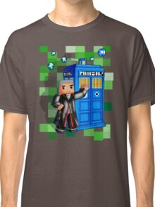8bit 12th Doctor with blue phone box Classic T-Shirt
