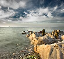 Incoming Tide by maxblack