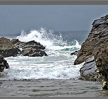 The Tide Rushes in. by mrcoradour