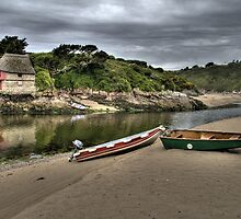 Boat house at Bantham, South Hams, Devon by seentwistle