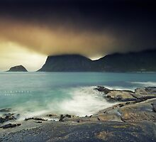 Haukland at midnight by Andreas Stridsberg
