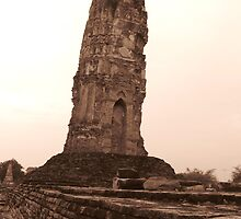 leaning tower of Aye by semdesigns