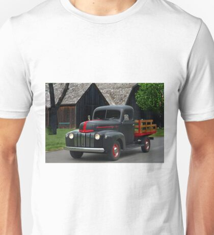 1946 Ford Flat Bed Pickup Truck Unisex T-Shirt