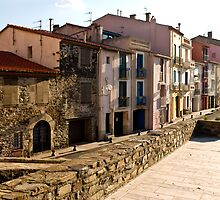 Buildings in Collioure 2 by GOSIA GRZYBEK