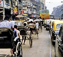 Peak hour, Calcutta 1980 by John Spies