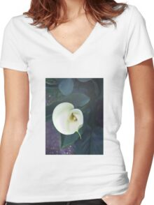 Nature Lily Women's Fitted V-Neck T-Shirt