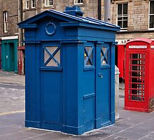Police imformation box. Edinburgh. by Finbarr Reilly