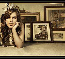 .Crown. by VioletInk