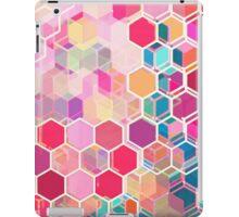Rainbow Honeycomb - colorful hexagon pattern iPad Case/Skin