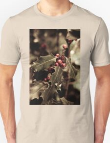 Holly bush with red berries III T-Shirt