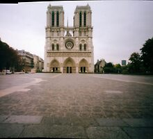 Notre Dame by Eyal Geiger