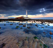 St. Mary's Lighthouse HDR (Whitley Bay) by Ritchie Coatsworth