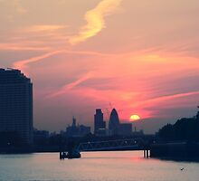 Sunset over Thames  by areyarey