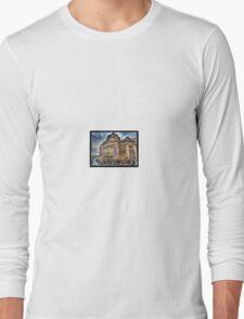 Grand old Flinders Street Railway Station Long Sleeve T-Shirt