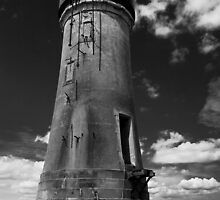 The old Spurn Point lighthouse by Jon Tait
