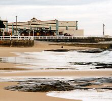 Newcastle Beach by Cheryl Parkes