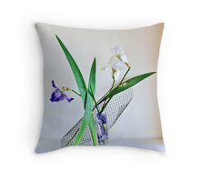 Ikebana-124 Throw Pillow