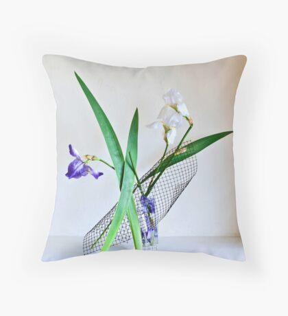Ikebana-124 Throw Pillow
