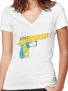 just don't shoot: colour Women's Fitted V-Neck T-Shirt