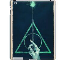 The three Hallows: Lord Voldemort's avada kedavra iPad Case/Skin