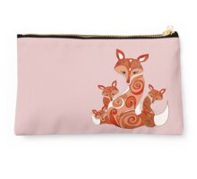 FOX FAMILY WHITE Studio Pouch