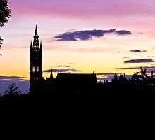 Glasgow University by Ross Lennox