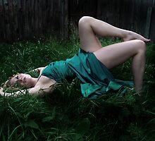 Alice Falling by SarahBethFaison