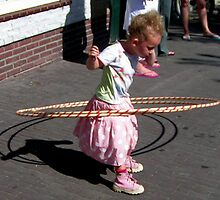 Little Hula Hoop queen  by patjila