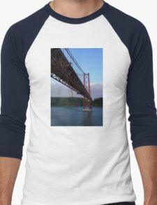 25 De Abril Bridge Men's Baseball ¾ T-Shirt