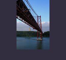 25 De Abril Bridge Unisex T-Shirt