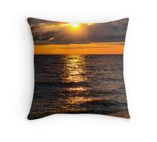 streaked sunset Throw Pillow