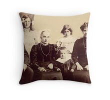 GRANDPARENTS WITH THEIR CHIDREN Throw Pillow