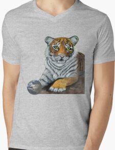 Hilary  Robinsons tigers paw  Mens V-Neck T-Shirt
