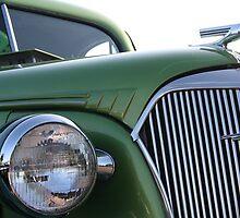 Emerald Beauty by starlitewonder