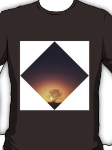 The dying tree  T-Shirt