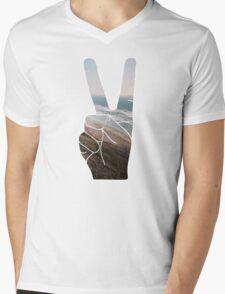Peace Hand Beach Good Vibes Tumblr Vintage Love Instagram Print Mens V-Neck T-Shirt