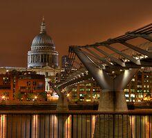 Millenium Bridge & St. Pauls by est1979