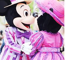 Mickey and Minnie love by disneylifelover