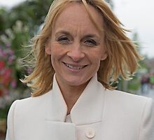 Louise Minchin by Keith Larby