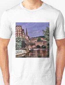 Victoria Art Gallery and Palladian Pulteney Bridge  T-Shirt