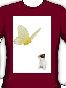 Chihuahua puppy and butterfly T-Shirt