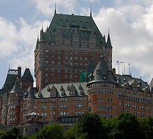 Hotel Frontenac, Quebec by Richard  Stanley