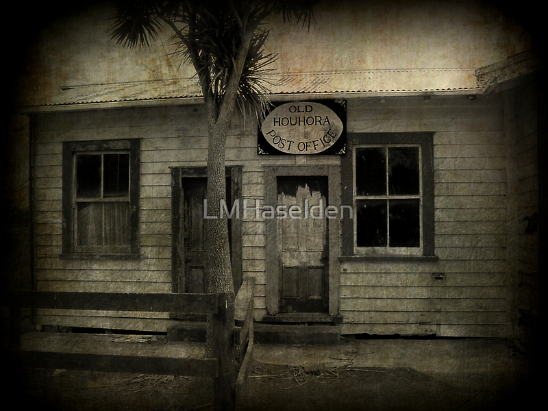 The Old Houhora Post Office by Lynne Haselden