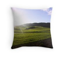 minutes before sunset Throw Pillow