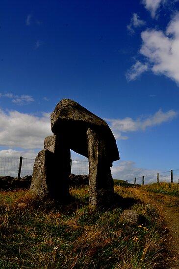 Legananny the pillar stone of Anya by ragman