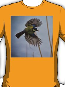 Great Tit with spider in beak T-Shirt