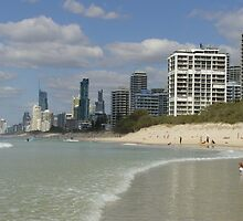 Surfers Paradise Skyline by RaiZdbyDINGOES
