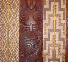 Maori carving in the meeting house Waitangi by scara24