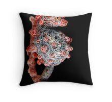 Pregnat pigmy seahorse Throw Pillow